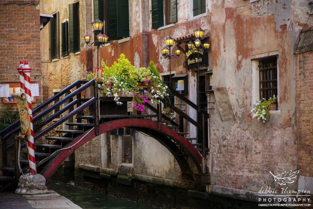 I could stay in Venice for days just capturing the bridges